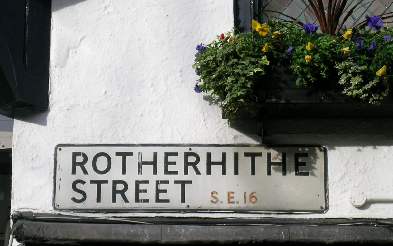 Gutter Cleaning Rotherhithe SE16